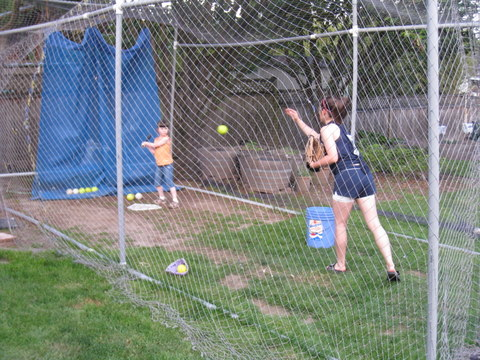 Auntie pitches to Ane