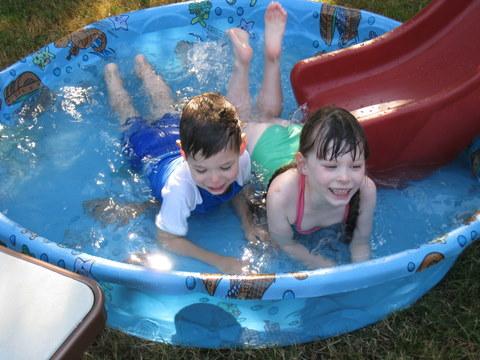 Kick splashing