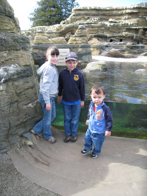 Ane, Tad and Rerun at the zoo