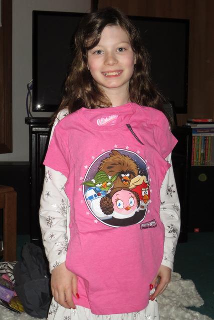 Ane models a shirt