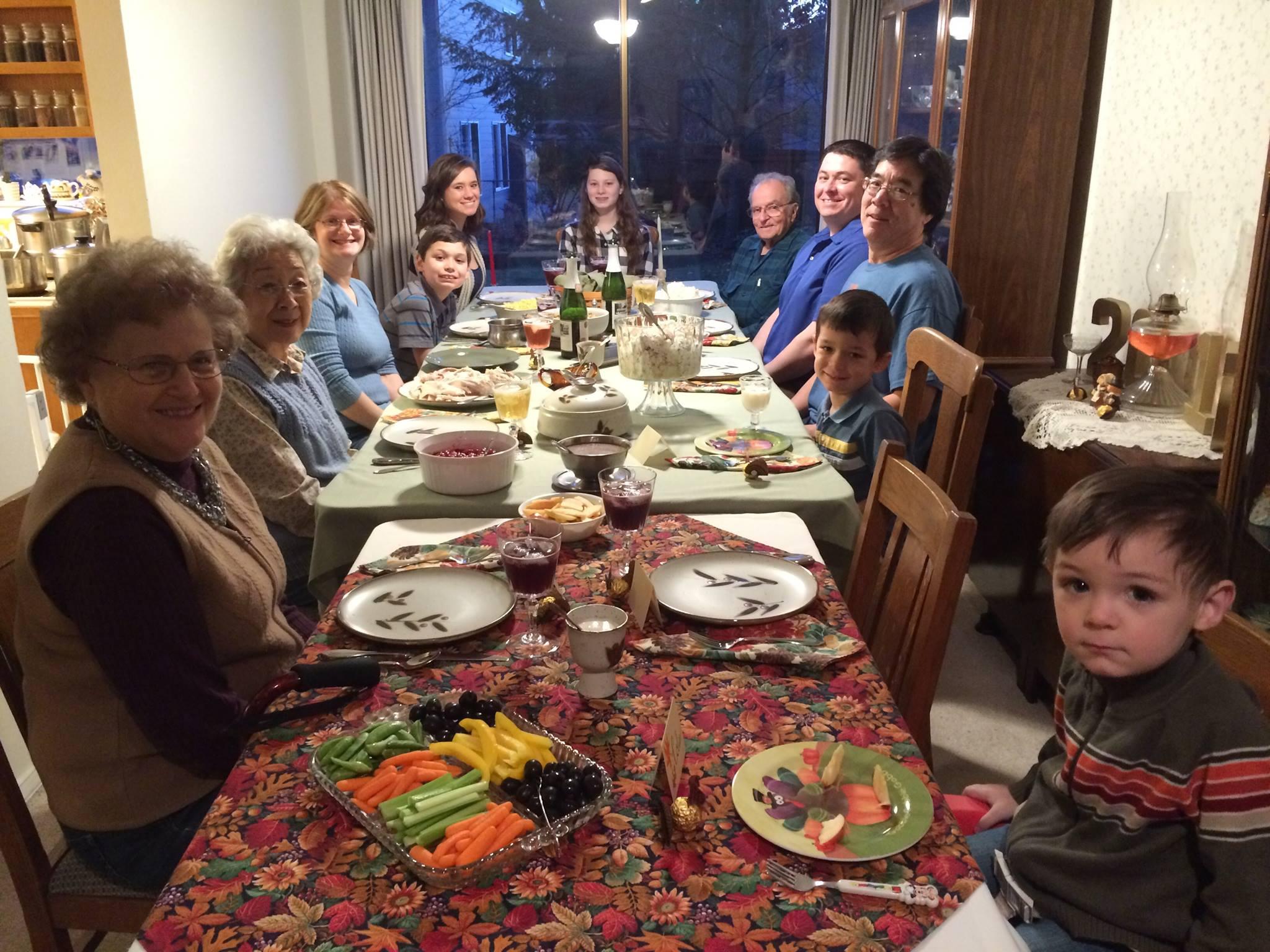 thanksgivingtable2015