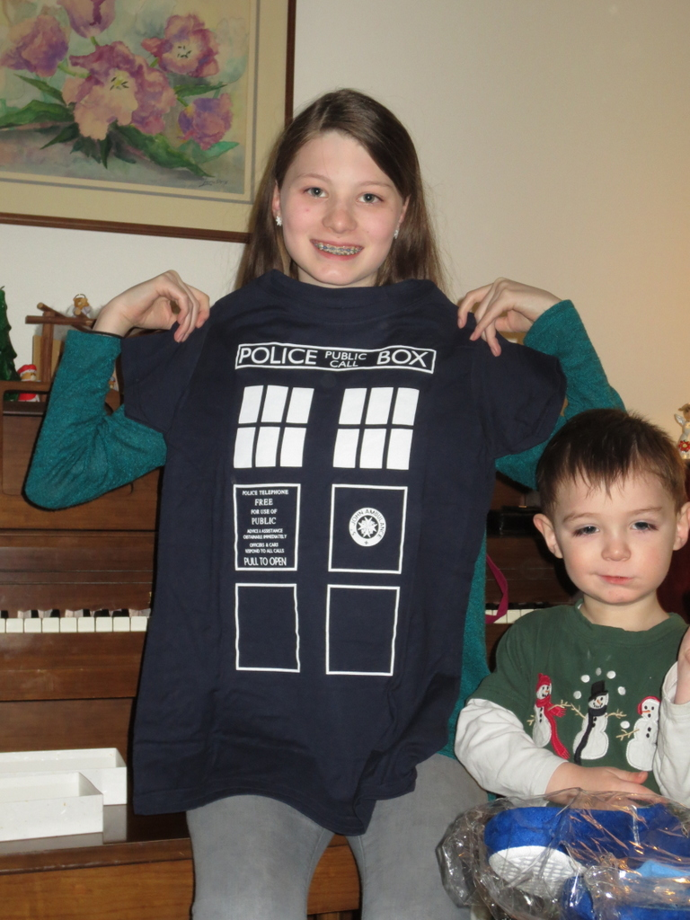 Ane gets a TARDIS shirt! Thumper is not impressed.
