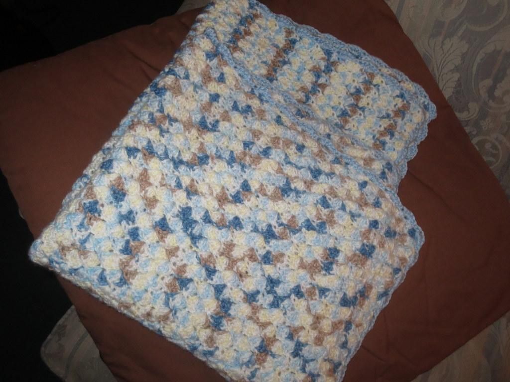 Boy shell stitch blanket